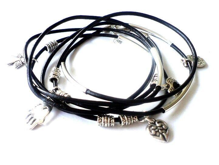 Www.hbeq.nl handgemaakt sieraden, kettingen, armbanden, oorbellen, oorstekers. Maar okk voor horloges, leggings en ringen