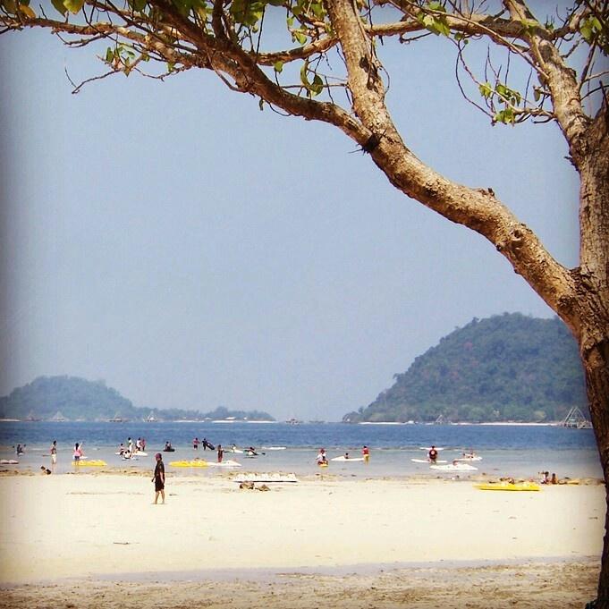 Pasir Putih, Lampung.