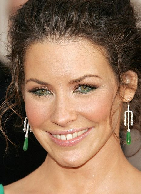Like the green shadow below the eye. Might do this for Alli's wedding.