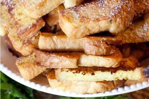 Simple Homemade Cinnamon French Toast Sticks Your Kids Will Love: French Toast Sticks