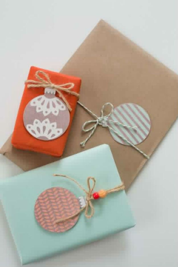 DIY Christmas Gifts! DIY Christmas Balls Gift Tags | http://diyready.com/diy-gift-tags-homemade-christmas-gifts/