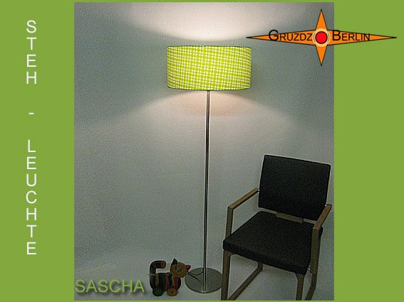 Stehleuchte SASCHA h 155 cm Stehlampe grün kariert. Frühlingsfrisch, Lindgrün und toll kariert: Die Stehleuchte SASCHA bringt Frische und Freundlichkeit in den Raum.