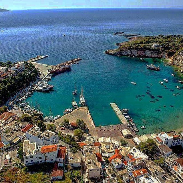 ALONISSOS PORT #caves #griechenland #landscape #ecosystem #alonissos #alonnisos #alonissosisland #alonissosbeach #alonissosbeachhotel #skiathos #skopelos #visitgreece #visitsporades #grecia #isolegreche #greekislands #greece #greek #vacation #holidays #vacances #honeymoon #vakantie #travelgram #travel #travelstyle #picoftheday #greece #greek #futuravacanze