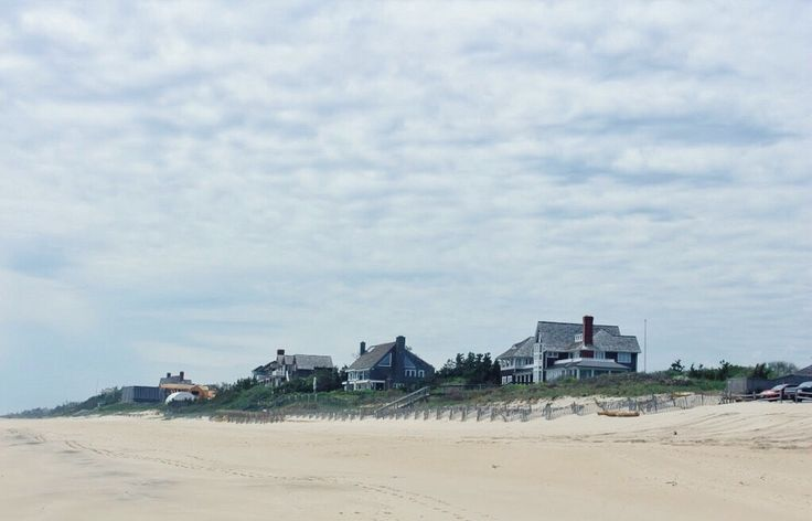 We'll start covering our US day trips next 🇺🇸 Starting with The Hamptons 👒 | OurCoterie