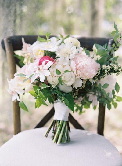 Romantic bouquet: http://www.stylemepretty.com/2015/04/09/coastal-south-carolina-private-plantation-wedding/ | Photography: Tec Petaja - http://tecpetajaphoto.com/