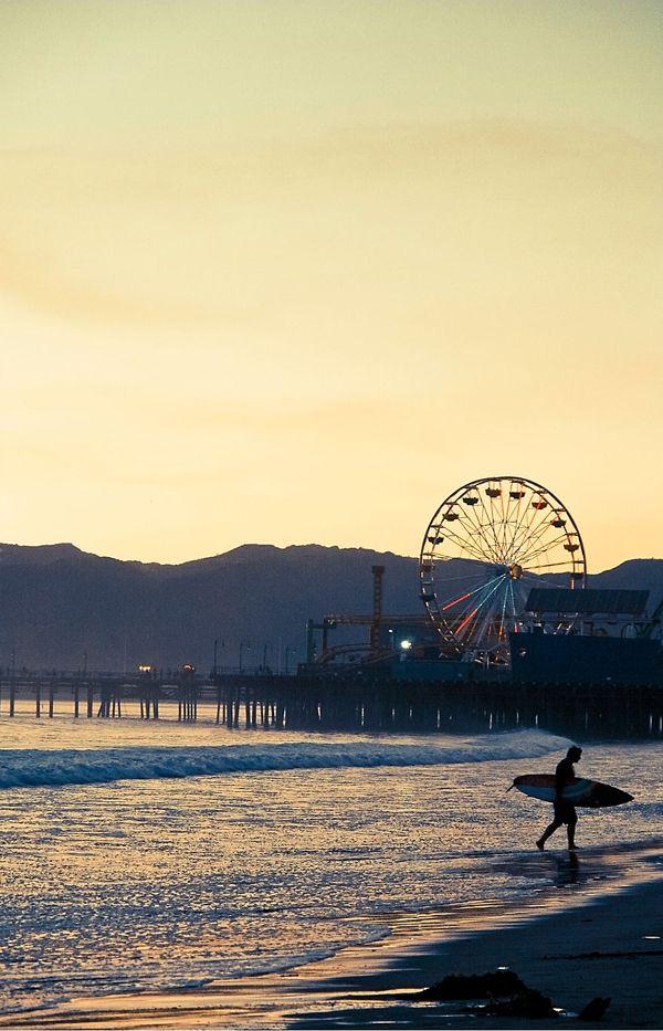 Santa Monica Surf photograph from @Deborah Yun...Looks like a gorgeous morning!