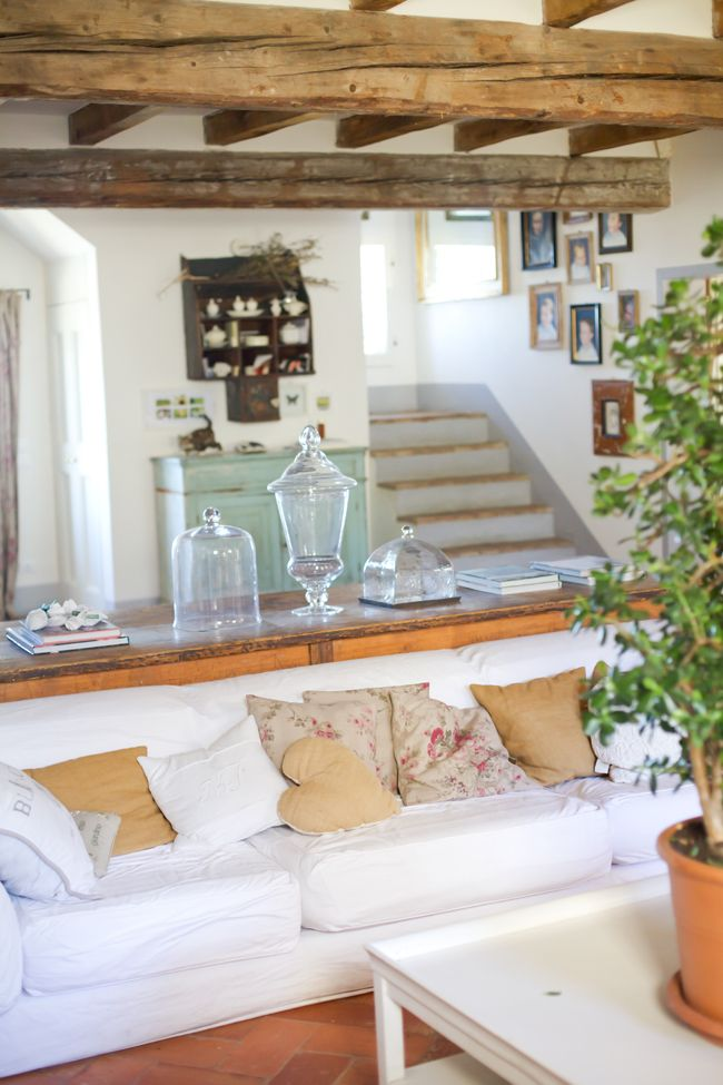 Romantic living room # country chic # pillows # B&B Cà Bianca dell'Abbadessa Bologna - ITALY #