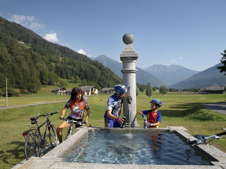 #bikers #valrendena #pinzolo #madonnadicampiglio #vacanzaattiva #trentino #montagna #fontana #bicicletta #mountainbike