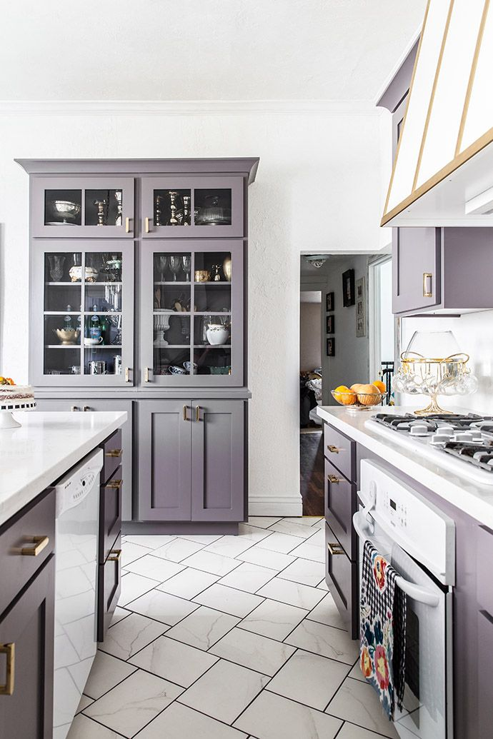 Grey-purple kitchen