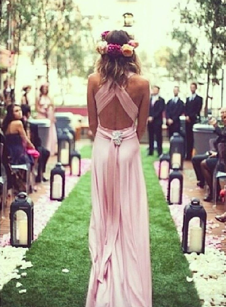 Yes, the boho dress is beautiful... but look at that grass aisle runner!!! #brisbanweddingstylist #brisbaneweddingplanner