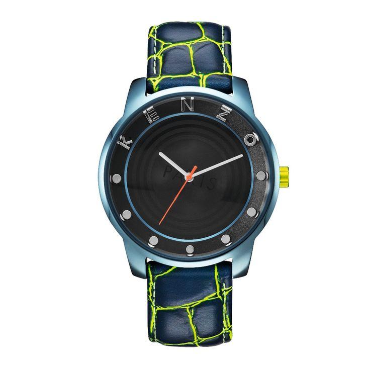 Montre Kenzo<br /> <br/>- Bracelet en cuir<br /> <br/>- Cadran avec logo <br /> <br/>- Mouvement à 3 aiguilles<br /> <br/>- Index de couleur contrastée<br /> <br/>- Fermeture avec boucle<br /> <br/>- Boîtier en acier<br /> <br/>- Affichage analogique<br /> <br/>- Mouvement de quartz<br /> <br/>- Diamètre du boîtier 43 mm<br /> <br/>- Etanchéité 30 m
