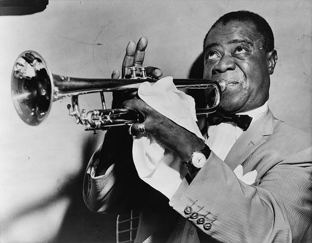 Louis Daniel Armstrong noto anche con il soprannome di Satchmo o Pops (New Orleans, 4 agosto 1901 – New York, 6 luglio 1971) è stato un trombettista e cantante