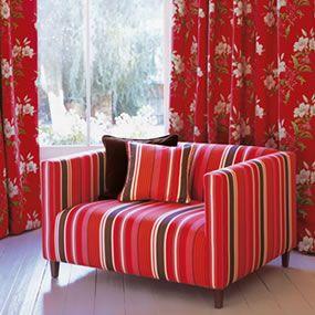 sillón rojo rayado