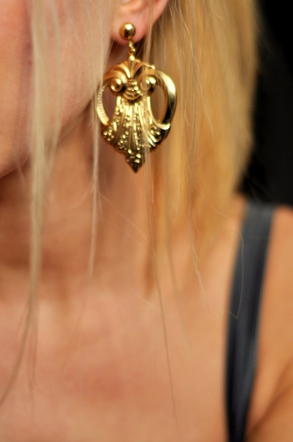 Earring gold, blond hair. madstyling