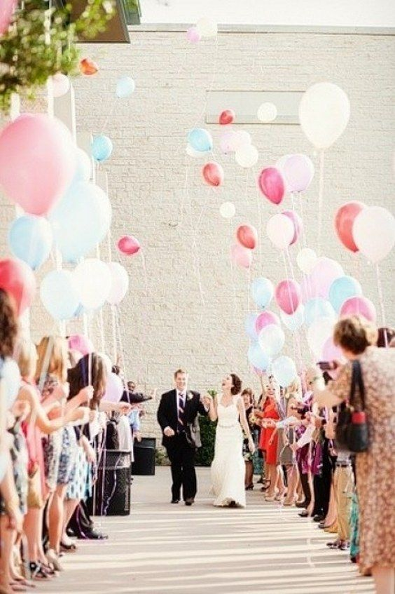 balloon wedding send off / http://www.deerpearlflowers.com/wedding-exit-send-off-ideas/