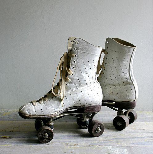 les 25 meilleures id es de la cat gorie patin a roulette blanc sur pinterest patin roulette. Black Bedroom Furniture Sets. Home Design Ideas