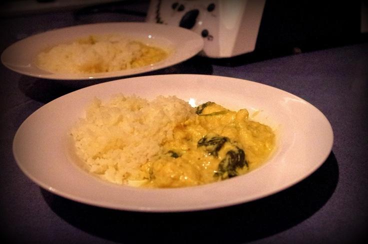 Paleomix: Chicken Cashew Curry With Cauliflower Rice! PALEO! Weight Watchers Pro-Points: 9 per serve (as a serve 6)