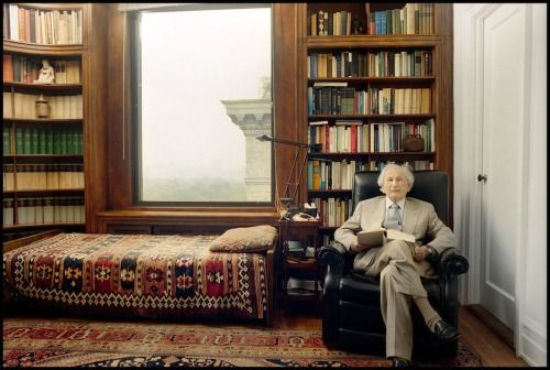 Inside the Fascinating Offices of Psychoanalysts
