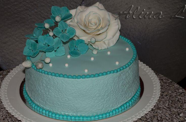 Бирюзовый торт с ракушками