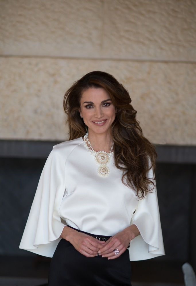 31 August 2016 - Official portrait: Queen Rania celebrates her 46th birthday