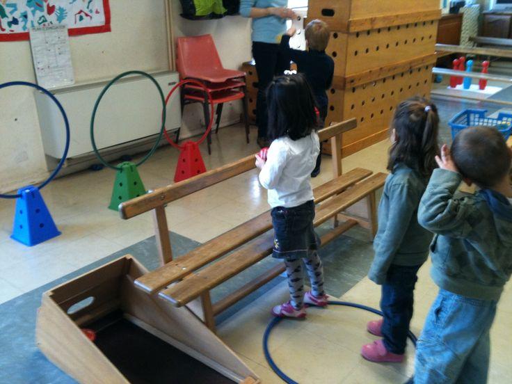 Ecole maternelle atelier de lancer