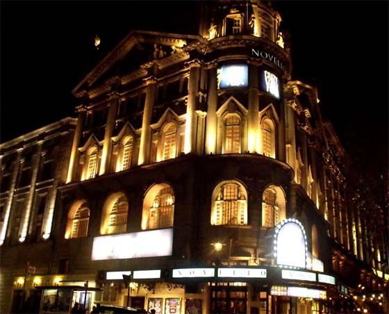 Loads of tips and advice on how to get cheap London theatre tickets - written by an expert and frequent attendee of the London theatre.