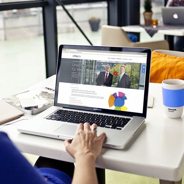 Ein neues Schätzchen von uns geht online: https://www.2im.de/ ist eine responsive Website auf Basis des October CMS. #stilwaechter #hamburg #integra #2im #digital #infographic #flatdesign #digitaldesign #graphicdesign #webdesign #uiux #ui #ux #uiudesign #uxdesign #uxdesigner #uidesigner #design #designer  #cms #october #userexperience