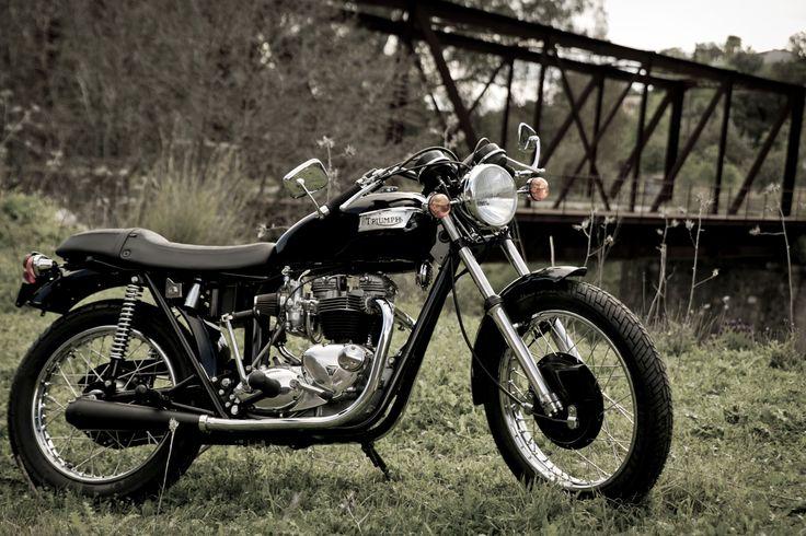 MJH Performance Bikes, Triumph Bonneville T120 - 1974,  http://www.mjhperformancebikes.com/es/transformacion-de-moto-triumph-bonneville-t120-1974/
