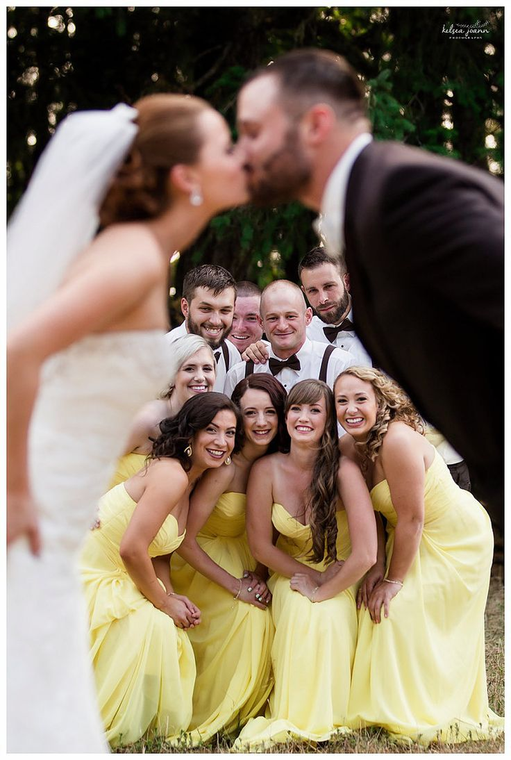 Must Have wedding party photos. Must have poses for the wedding party. Wedding party group poses. Eugene, Oregon Wedding Photographer