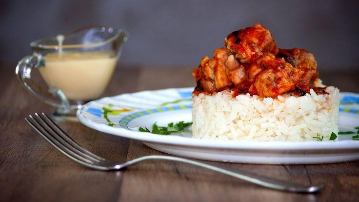 Курица в томате с базиликом и чесноком https://www.youtube.com/watch?v=sacnepoN4JU Курица в томате с базиликом и чесноком настолько яркое, сочное и ароматное блюдо, что рецепт Вам просто необходимо добавить в свою кулинарную копилочку #рецепт #кухня #вкусно #wowfood #wowfoodclub