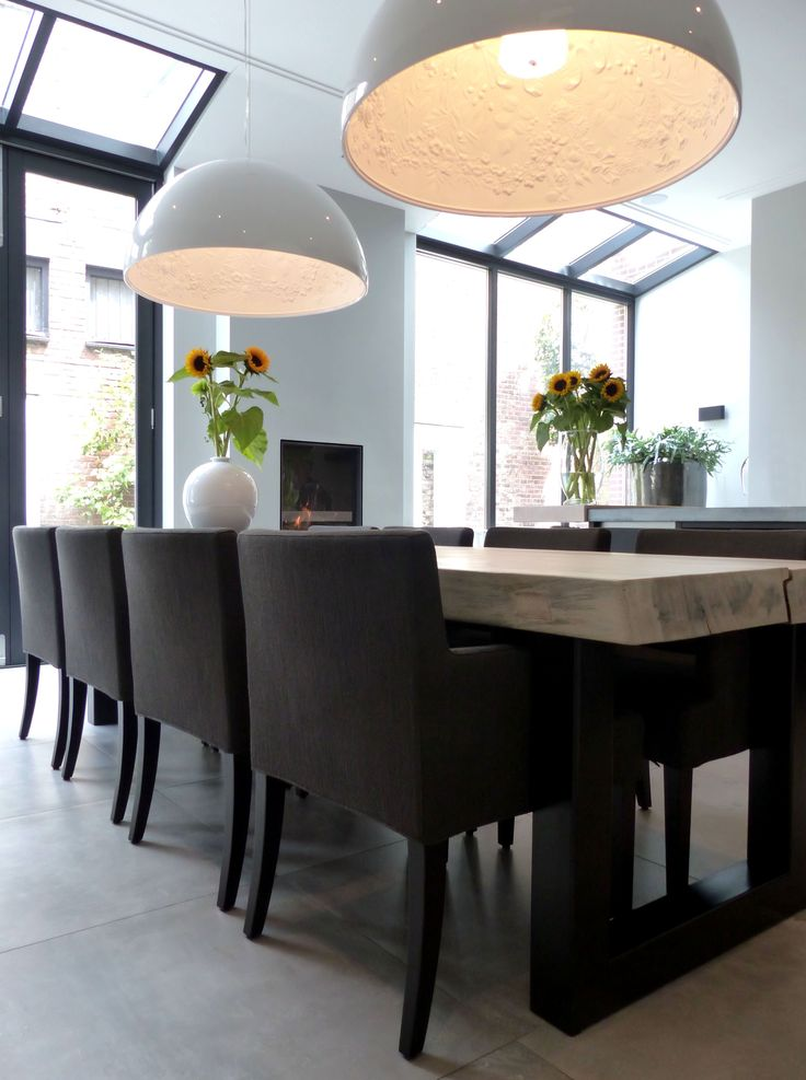 Beautiful dark frames and white walls - Dining Room