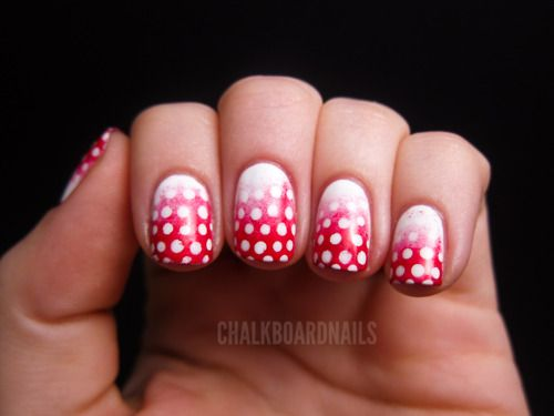 Polka Dot Ombre: Gradient Dots, Red And White, Nail Polish, Art Blog, Nailart, Chalkboard Nails, Festive Gradient, Nail Art