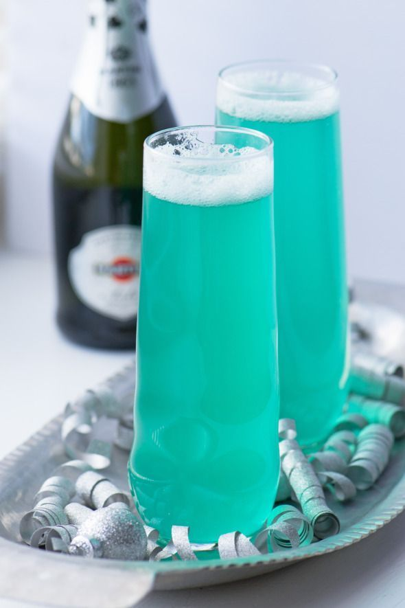 turquoise champagne cocktail