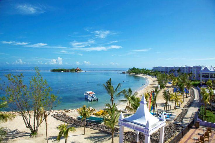 Mahoe Bay beach, Montego Bay - Jamaica | Riu Palace Jamaica & Riu Montego Bay All Inclusive hotels