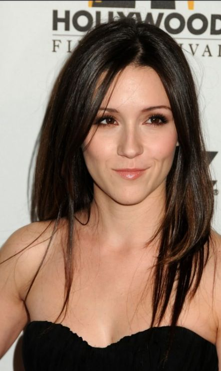 Shannon Woodward // Long // Straight // Dark // Brown // Brunette // Long Layers // Flowing // Chocolate // Espresso