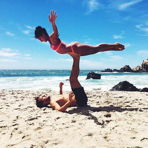 The Most Insane Couples Yoga Poses You've Ever Seen | SUPER WOMAN | Look, ma! No hands! And look what else, ma! Amazing abs!