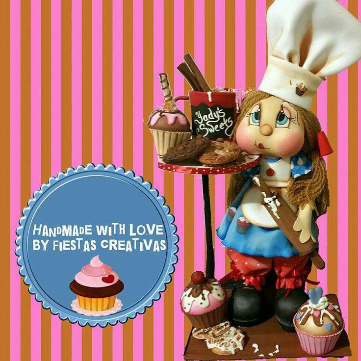 Muñeca pastelera en goma eva 3d