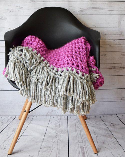 2017002 Mega Crochet Throw Blanket