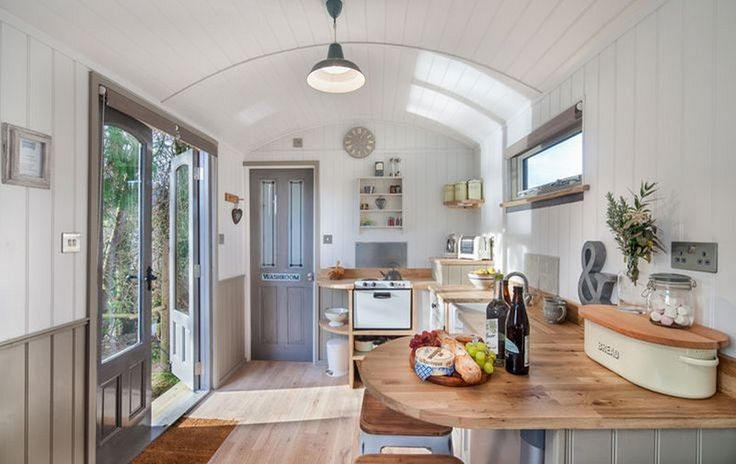 awesome Shepherds Hut Interior Plans for Holidays: 99 Ideas You Should Try http://www.99architecture.com/2017/02/13/shepherds-hut-interior-plans-for-holidays-99-ideas-you-should-try/