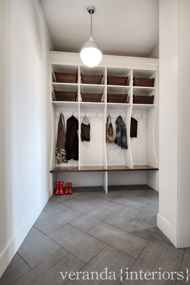 17 best images about mud rooms on pinterest mudroom for Mudroom floors