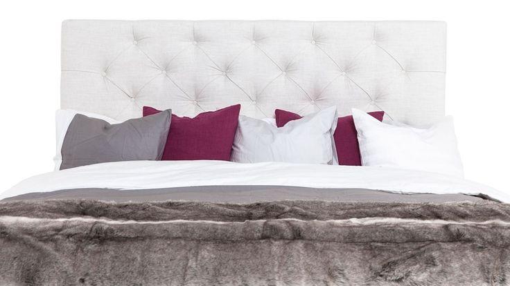 Vit djuphäftad sänggavel. Säng, gavel, sovrum. http://sweef.se/sangar/224-sanggavel-djuphaftad-vagghangd.html