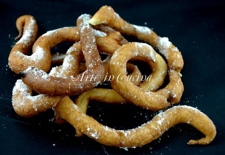 Riccioli dolci di carnevale ricetta facile e veloce ricetta dolci fritti, dolci di carnevale, riccioli d'oro,dolci di carnevale veloci, dolci facili per bambini
