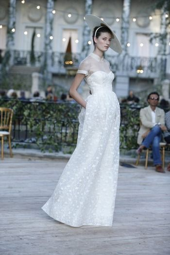 wow. I love this. even though I said I'd never wear a wedding dress that looked like an oxford......Del Pozo - Spring 2013