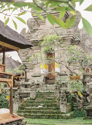 Bucket list! Ubud Palace Bali, photo by http://vickigraftonphotography.com/blog