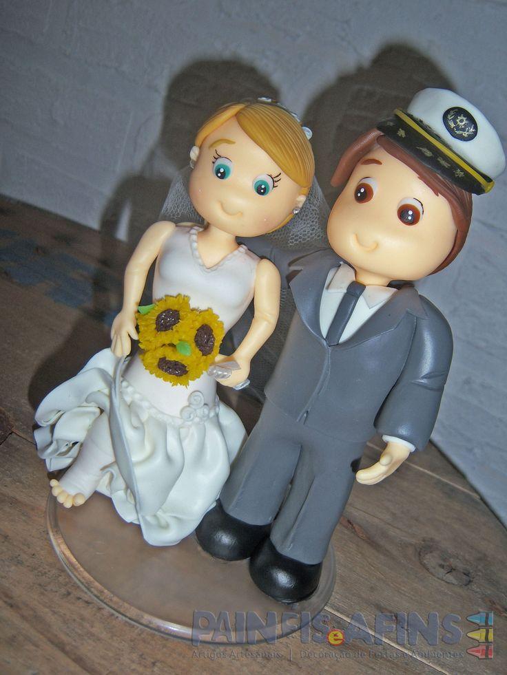 Um pé quebrado, um capitão e dois corações apaixonados #noivinhos #casamento #biscuit