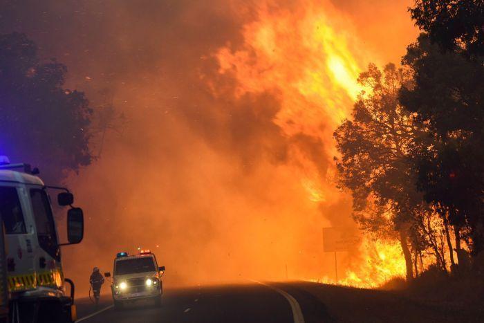 Bushfire rages in Yarloop