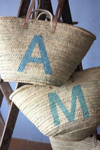 Capazos de playa personalizados con la inicial del nombre