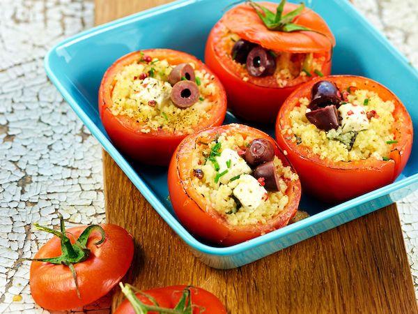 Couscoustomaatit ovat herkullinen lisuke grilliruoalle. http://www.yhteishyva.fi/ruoka-ja-reseptit/reseptit/couscoustomaatit/014492