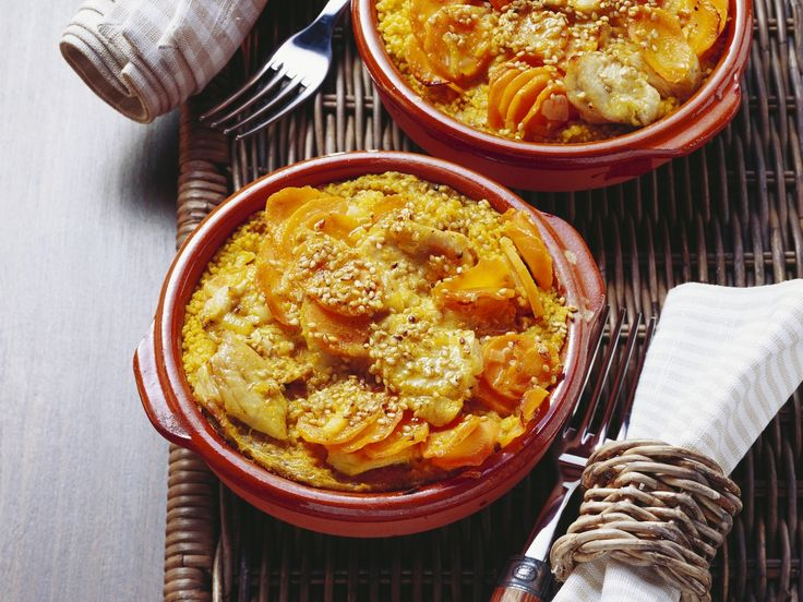 Couscousauflauf mit Möhre, Pute und Sesam   Kalorien: 456 Kcal - Zeit: 30 Min.   http://eatsmarter.de/rezepte/couscousauflauf-mit-moehre-pute-und-sesam