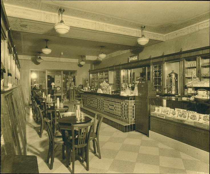 The Coffee Shop at the Peabody Hotel about 1925 in Memphis